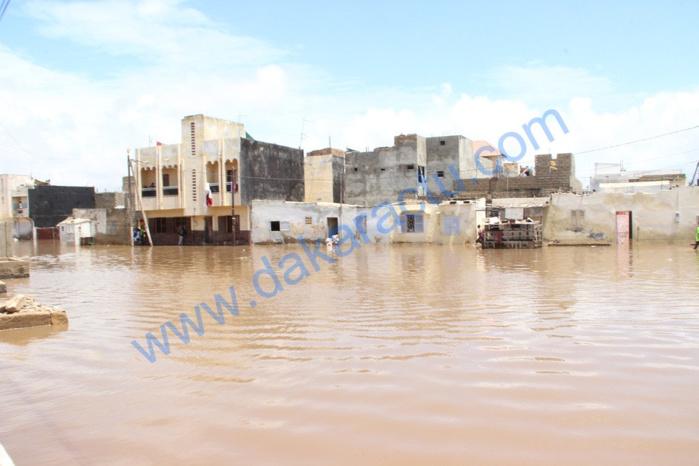 Fortes pluies à Dakar, la banlieue inondée : Thiaroye, Pikine et Guédiawaye sous les eaux... (images)