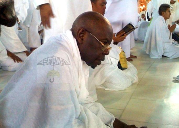 URGENT! BOUSCULADE DE MOUNA: Serigne Abdoul Aziz Sy Al Amine présente les condoléances de Tivaouane et recommande des Prières ce Vendredi 2 Octobre 2015