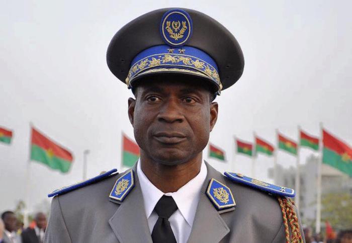 Le Général Gilbert Diendéré a été remis à la justice burkinabé ce 1er octobre 2015.