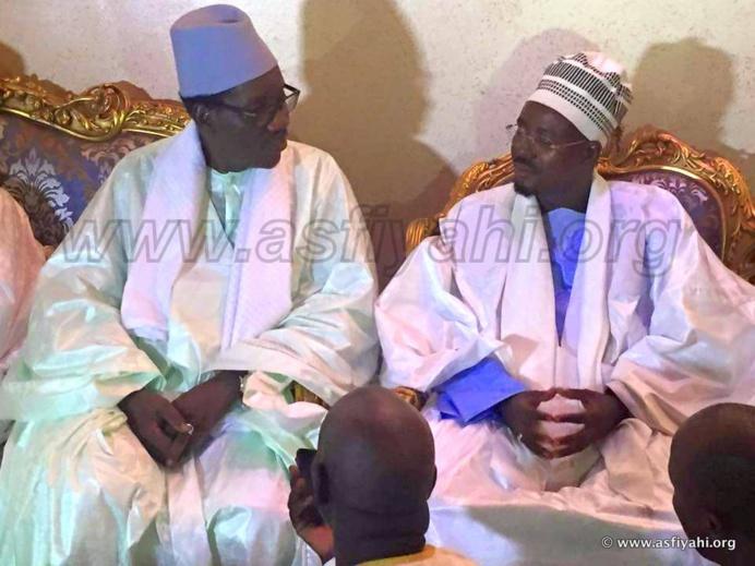 Les images de la visite de Serigne Maodo Sy Dabakh chez Serigne Cheikh Sidy Mokhtar Mbacké ce jeudi 1er octobre 2015
