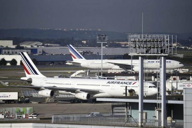 Air France : 2900 postes menacés en 2016 et 2017