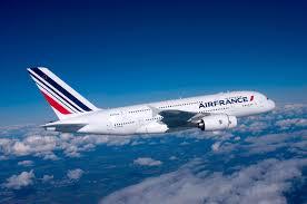 La direction d' Air France veut porter plainte contre des salariés pour «violences aggravées»