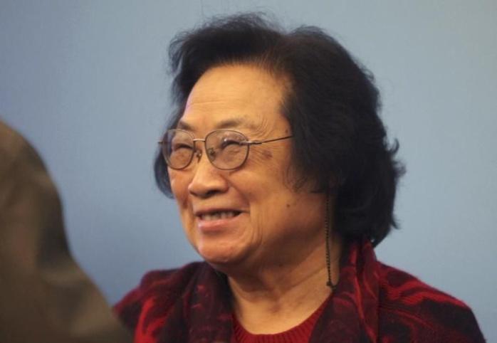 Nobel : Youyou Tu, la chercheuse qui a mélangé les médecines ancestrale et moderne