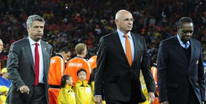 Qui sont les remplaçants de Sepp Blatter et Michel Platini ?