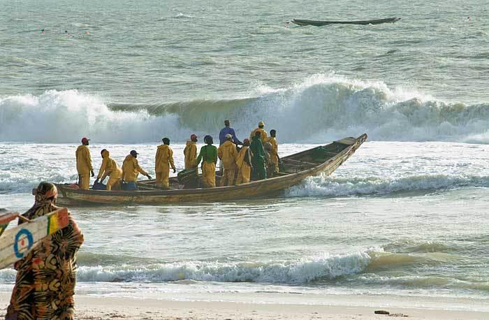 Pêche illégale : 17  sénégalais bloqués depuis 4 jours dans le  no man's land entre le Maroc et la Mauritanie