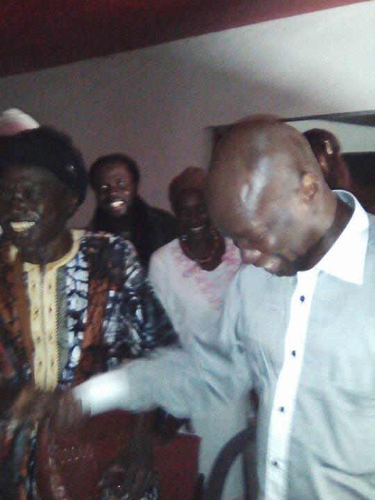 RÉVÉLATION : Moussa N'gom a dîné hier avec Omar Pène et s'est même produit au « Just for U »