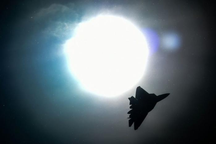 SYRIE : Un chasseur russe s'approche à moins de 3 km d'un appareil américain (Moscou)