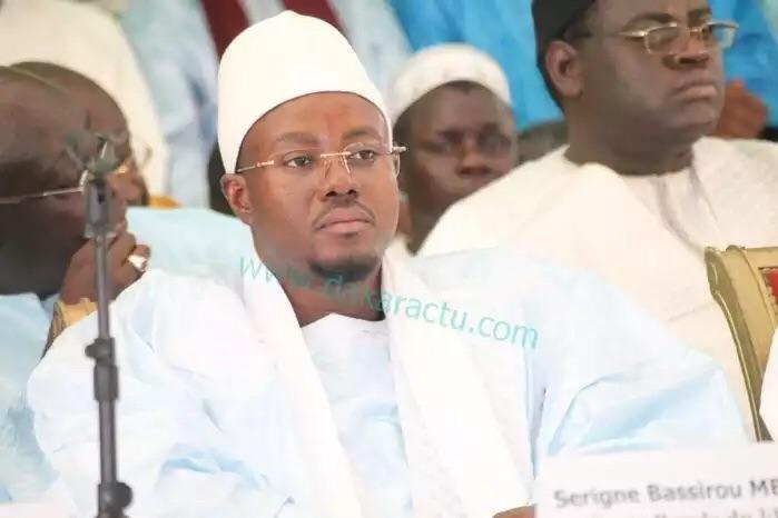 TOUBA : Serigne Bassirou Abdou Khadre appelle le président Macky Sall et Me Abdoulaye Wade à se retrouver et se réconcilier