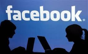 Rencontres sur Facebook : quand des mariées partagent leur vie de couple sur la toile