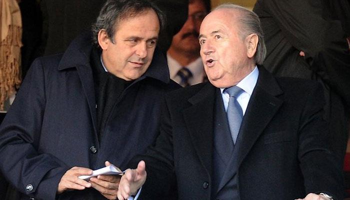 """Scandale à la Fifa : Platini et Blatter auraient """"falsifié des comptes"""""""