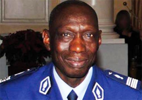 Pour n'avoir gagné que 1,5 millions de F Cfa en vendant son livre : Le Colonel Abdou Aziz N'dao porte plainte contre des sites internet