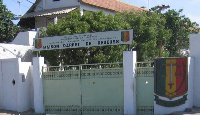 En prison depuis plusieurs années sans être jugés, des détenus de Rebeuss entament une grève de la faim