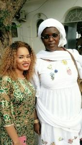 Rama Aidara, la nouvelle femme de Mara Ndiaye pose avec la première dame Marieme Sall