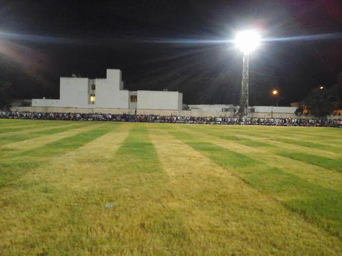 Voici les images de la pelouse en gazon offerte par El Malick Seck à la jeunesse thiessoise
