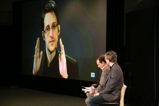 Le Parlement européen adopte une résolution pour protéger Edward Snowden