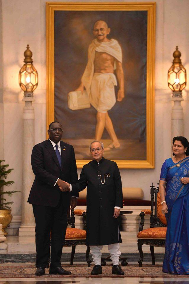 Sommet Afrique-Inde-Le président de l'Inde, Shri Pranab Mukherjee reçoit le président de la République du Sénégal Macky Sall