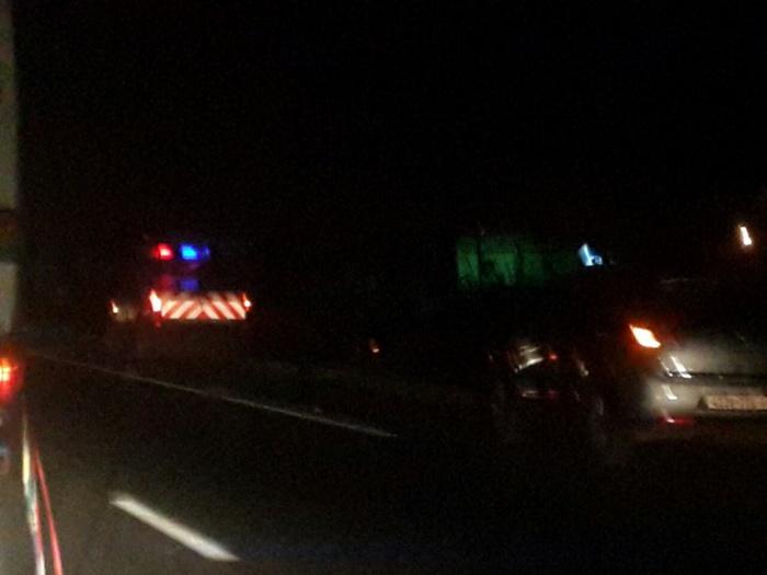 IMAGES : Un camion s'est renversé sur l'autoroute à péage