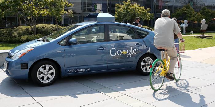 Un policier arrête une voiture sans conducteur de Google pour... excès de lenteur