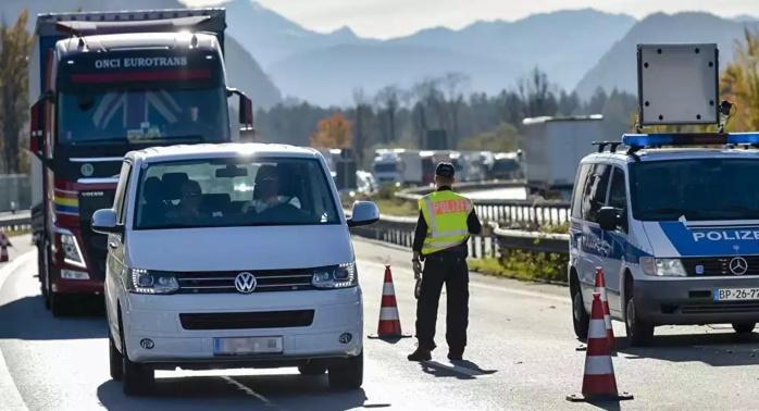 Un conducteur lourdement armé allant vers Paris, arrêté en Allemagne