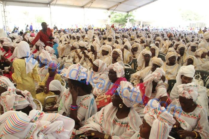 Cérémonie de clôture de la semaine Cheikh Ahmadou Bamba : Grande Mobilisation des Femmes Mourides de Dakar dirigées par Sokhna Seynabou Mbacké (Images)