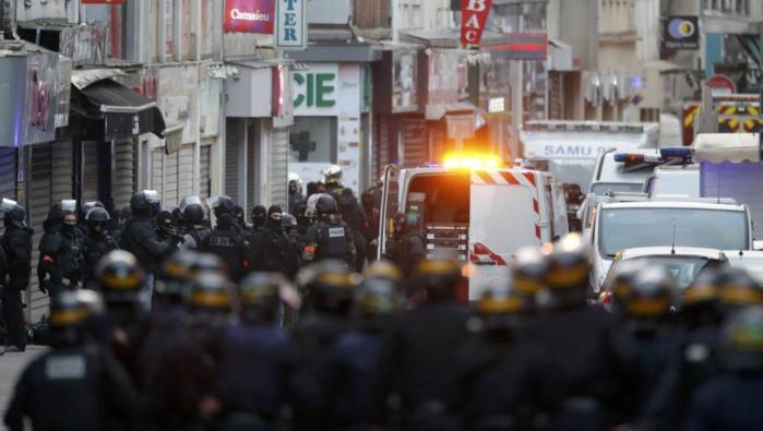 Assaut terminé à Saint-Denis, au moins deux morts dont une kamikaze