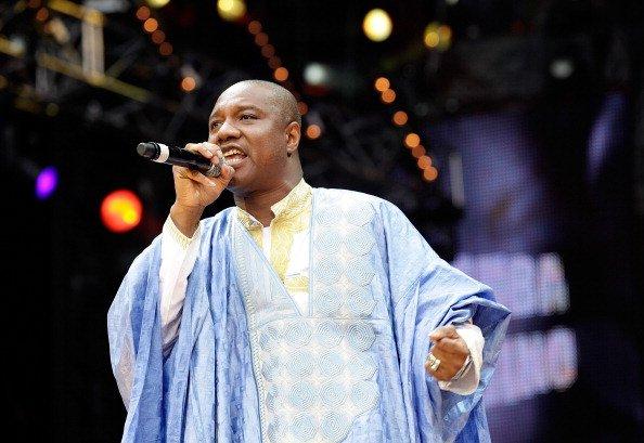 Parmi les otages relachés figure le chanteur guinéen Sékouba Bambino qui se trouvait à l'hôtel Radisson de Bamako.