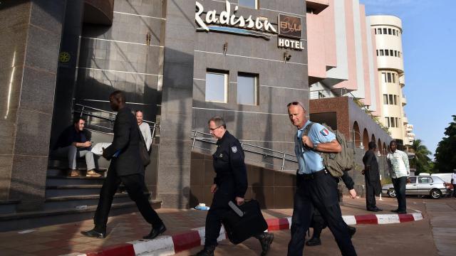 """Attaque à Bamako : les enquêteurs """"sur plusieurs pistes"""""""
