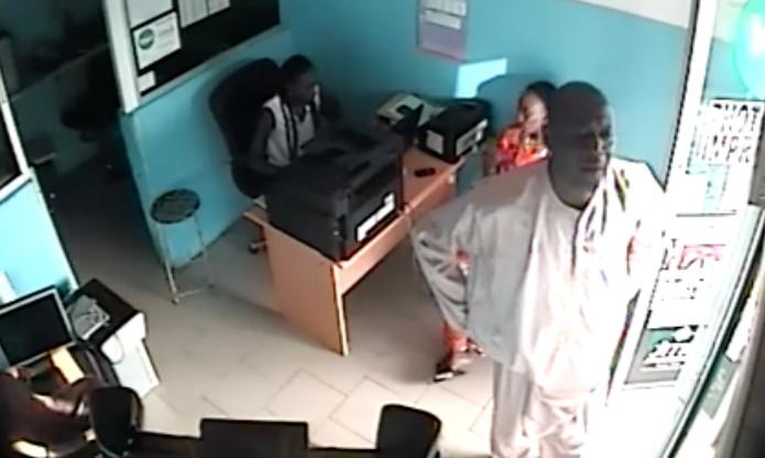 Vidéo du voleur d'ordinateur portable : L'homme est un multirécidiviste, sorti de prison il y a juste deux mois