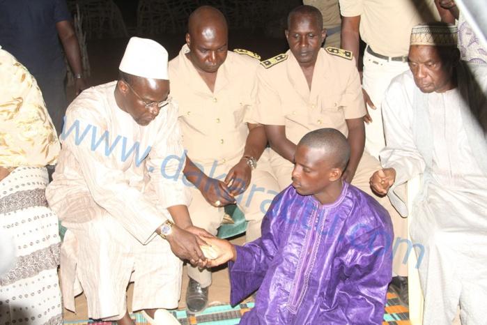 LINGUÈRE : Yakham Mbaye présente les condoléances du Gouvernement à la famille d'une des victimes de Mouna  ( IMAGES)