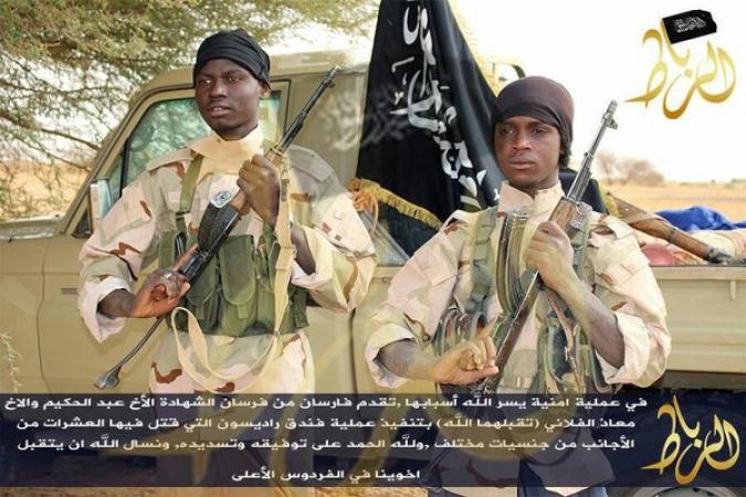 Mali : le groupe Al-Mourabitoune diffuse la photo des deux terroristes présumés de l'hôtel Radisson (Jeune Afrique)