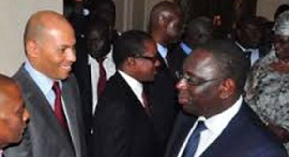 Karim répond à Macky Sall : « Qu'il s'occupe des problèmes des Sénégalais! »