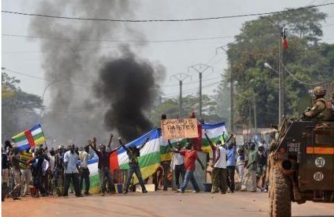 Présidentielle en RCA : Tirs et barricades à Bangui après l'annonce de la liste des candidats (Ambassade de France)