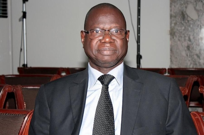 Augustin Tine, ministre des Forces Armées : « La question du port du voile intégral sera posée au prochain sommet de la CEDEAO en Guinée »