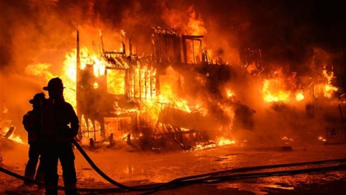 FIDAK : Un violent incendie ravage le pavillon vert