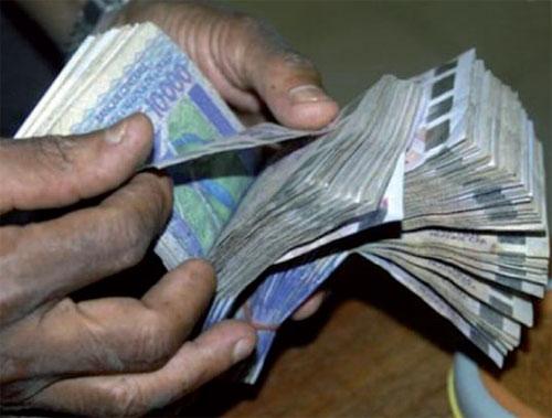 RAPPORT CENTIF : Le responsable d'une structure publique versait 15 millions dans le compte de son fils de moins de deux ans