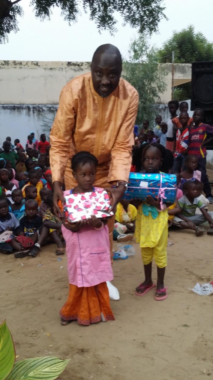 Arbre de Noël de l 'ANAMO à Djofior : 350 enfants ont reçu leurs cadeaux