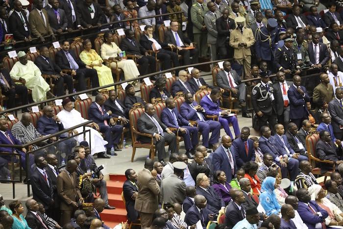 Les images de l'investiture du nouveau président burkinabè Roch Marc Christian Kaboré