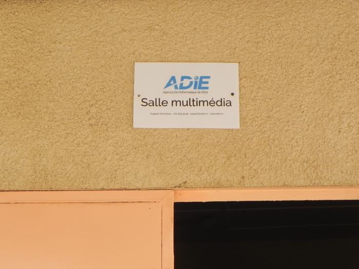 Solidarité numérique : 12 salles multimédia installées par l'ADIE qui équipe lycées et collèges