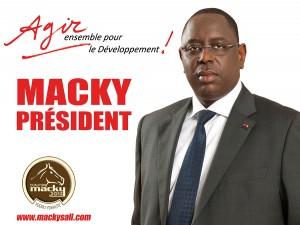 LE MANDAT PRÉSIDENTIEL, PAR SES CARACTÉRISTIQUES ET SON RÔLE ÉMINEMMENT POLITIQUE, S'IMPOSE A TOUT LE MONDE DANS L'ETAT RÉPUBLICAIN ET DÉMOCRATIQUE (par Souleymane NDIAYE)