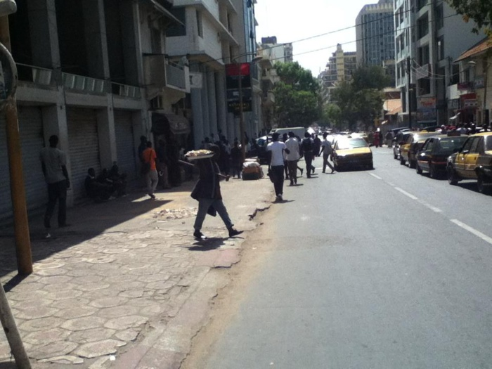 Immeuble Petersen : Alors que l'affaire est pendante devant les tribunaux, des agents municipaux font du vandalisme chez le vieux Ismaïla Mbacké