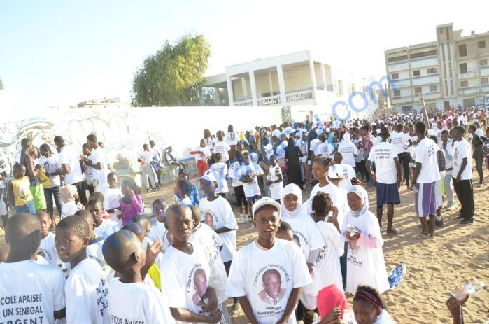 """Randonnée pédestre : """" Une école apaisée pour un Sénégal émergent """" (images)"""
