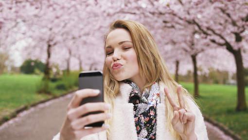 Pourquoi les selfies sont mauvais pour votre couple