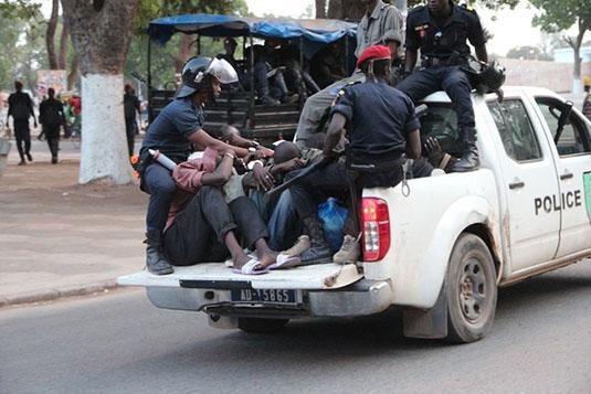Opération de sécurisation : Plus de 900 personnes interpellées Dakar et à Thies