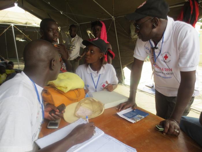 Croix rouge : Marche du comité d'initiative pour l'annulation de l'assemblée générale du 26 Février