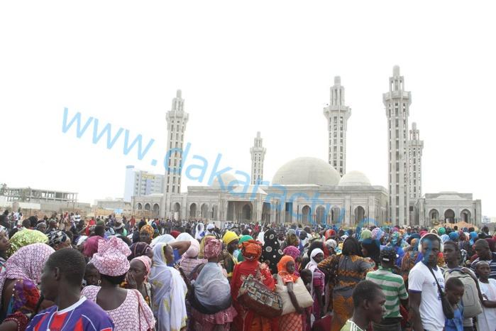 Les images de la marche contre Jeune Afrique à la mosquée Massalikoul Djinane de Dakar