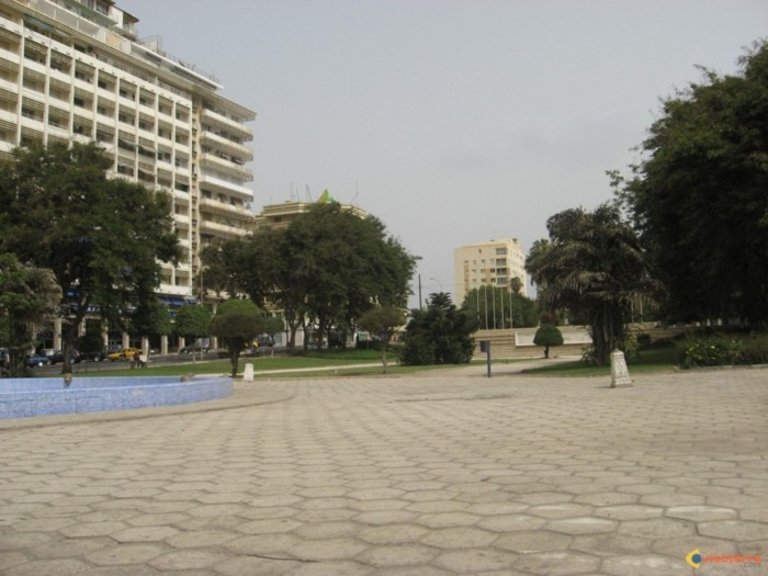 Place de l'Indépendance : Khalifa Sall et les maires de commune chassés à coup de gaz lacrymogène