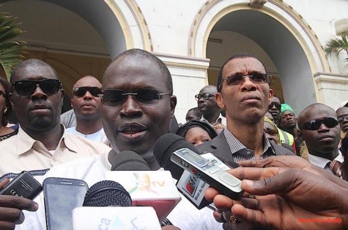 """Conflit autour de la place de l'indépendance : """" Diversion et manipulation du maire de Dakar """""""