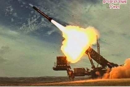 L'armée turque bombarde à nouveau des positions kurdes en Syrie