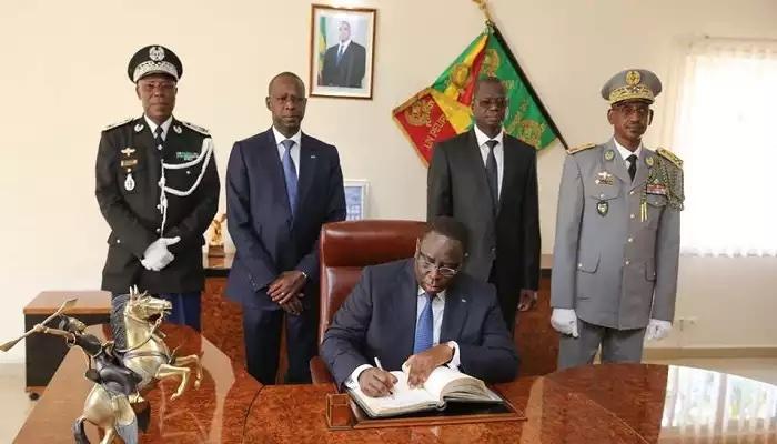 La Constitution sénégalaise à l'épreuve de sa « Théâtralisation » (Ibrahima Condetto NIANG)