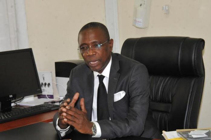 """El Hadji Hamidou Kassé, ministre conseiller en charge de la Communication du Président : """" Si le non l'emporte, Macky Sall fera 14 ans """""""